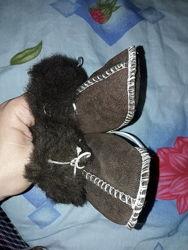Первая зимняя обувь малыша, меховые пинетки
