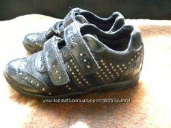 Красивые кроссовки Gеох 27 размер