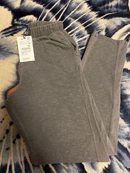 Продаю новые спортивные брюки на мальчика Zara