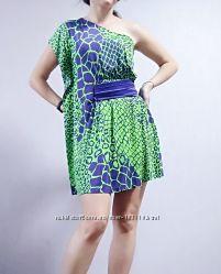 Платье с поясом зеленое seam