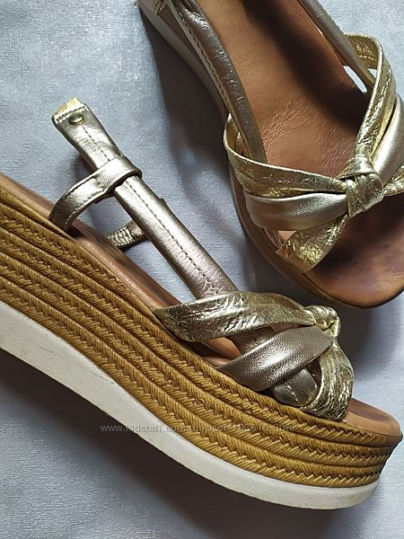Босоножки Alba moda золотистые