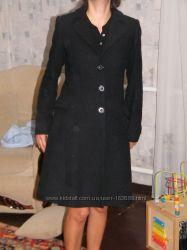 бу полушерстяное черное пальто Nerranova S-M размер