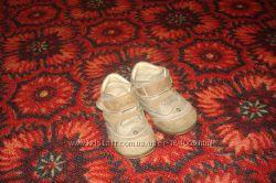 Продам Демисезонные ботиночки Perlina 21р. в отличном состоянии