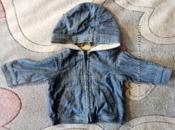 Продам джинсовую курточку BabyGap на 0-6 месяцев