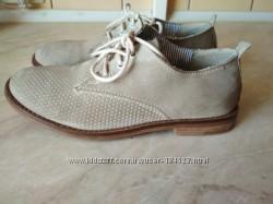 Замшевые туфли фирма Friboo размер 33.