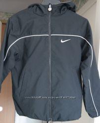 Деми куртка Nke на 10-12 л, р. 140-152