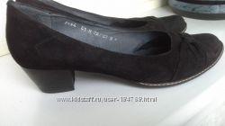 р. 40-41 стел. 26. 5 TOPAZ туфельки натуральная замша внутри кожа удобные