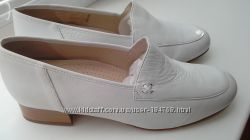 Новые туфли  р. 41 стелька 27 ИТАЛИЯ мягчайшая кожа классные Низкая Цена