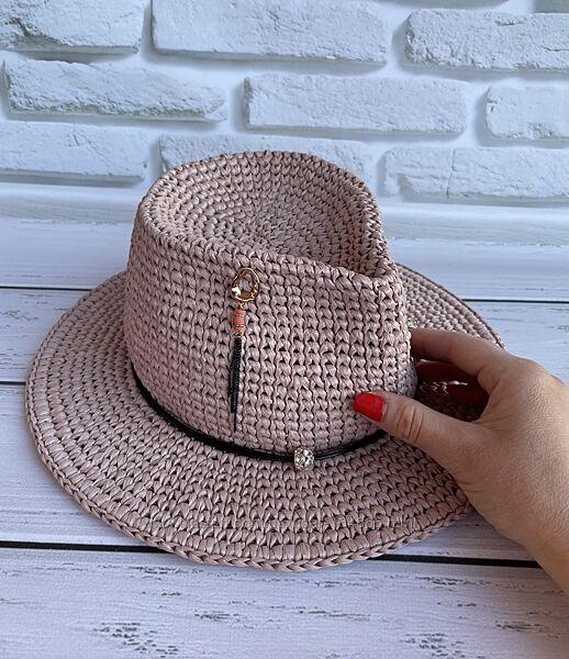 Шикарная шляпа Федора, в эксклюзивном цвете в наличии.
