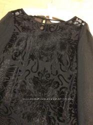 Очень красивое с бархатным узором платье Marks&Spenser.