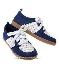Перфорированные кроссовки