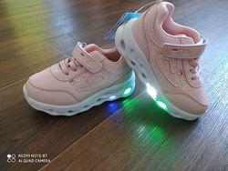 Лёгкие кроссовки LED