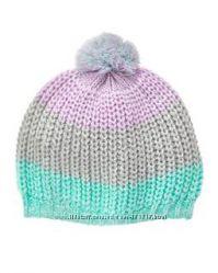 Фирменные шапки девочкам.