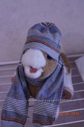 шапка с шарфиком  BENETTON состояние новой