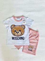 Хлопковые костюмы футболка и шорты moschino москино для деток