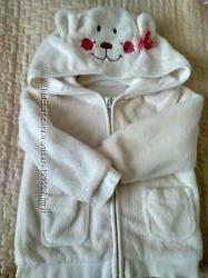 Красивая куртка с мишкой на капюшоне
