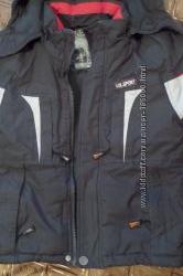 Зимняя курточка на мальчика в отличном состоянии