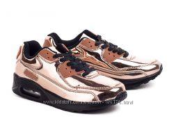бронзовые кроссовки