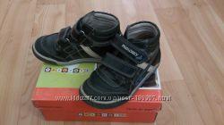 Продам БУ ботиночки Pablosky р 31