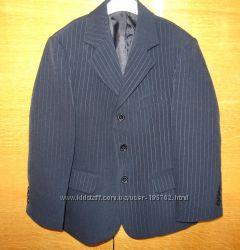 Школьный пиджак черный в полоску 7-8 лет рост 128-132см