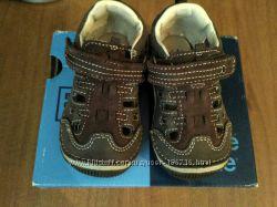 Кожаные босоножки сандалии stride rite - идеальная первая обувь из штатов