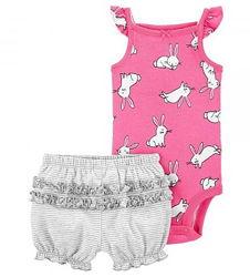 Летние комплектики боди-маечка и шорты фирмы Carters для девочек