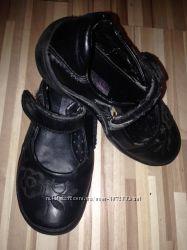 Отличные кожаные туфли 19 см.