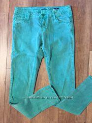 Зеленые джинсы - в идеальном состоянии
