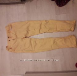 Жёлтые новые джинсы на 11-12 и 13-14 лет. Фото не передаёт цвет