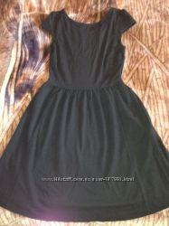 Стильное маленькое черное платье baby doll H&M