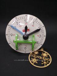 Деревянные обучающие часы на подставке KomarovToys A 375