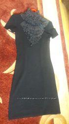 Шикарное платье с шикарним воротником
