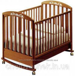 Кроватка детская Pali Zoo с матрацом, защитой, бельем, одеялами, стол