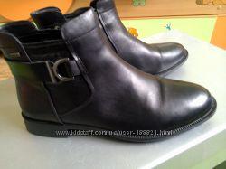 Демисезонные ботинки clarks
