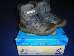 Демисезонные ботинки Котофей, 23 размер