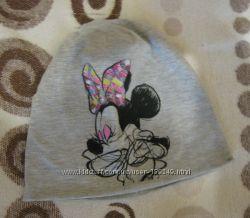 Продам на девочку легенькую шапку с рисунком Мини размер 46-48
