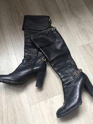 Кожаные брендовые сапоги демисезонные Casadei оригинал на каблуке 39 р