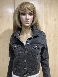 Чёрный джинсовый пиджак куртка PULL&BEAR.