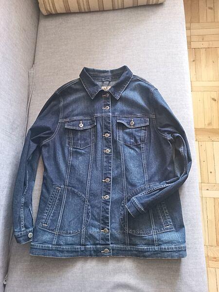 Удлинённая джинсовая куртка с карманами
