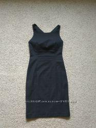 Черное платье Zara с открытой спиной размер XS в идеале