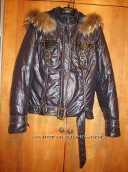 Демисезонная куртка в отличном состоянии