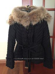 Красивая и тёплая куртка на стройную девушку