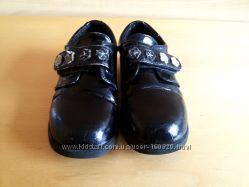 Лакированные немецкие туфельки  для девочки стелька 17, 5 см
