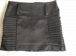Черная мини юбка р. 40
