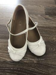 Туфли Childrens place 19. 5 см.