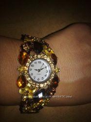 Часы с камнями