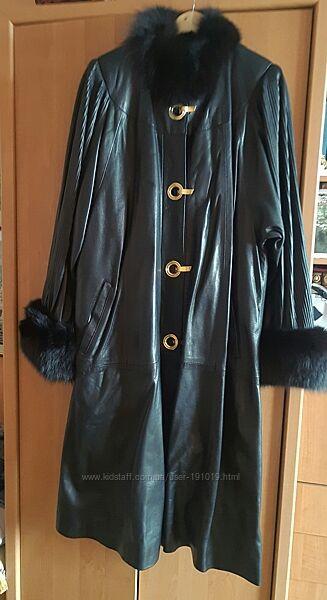 Женское пальто из натуральной кожи