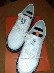 Молодежные ботинки