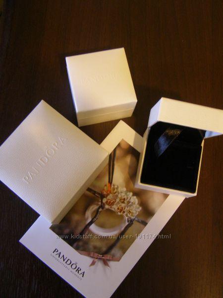 Коробочки, пакеты от шармов, колец  Pandora