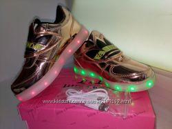 Светящиеся кроссовки - слипоны с LED подсветкой от USB кабеля р. 25 по р. 3